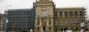 Múzeum - fasádne lešenie