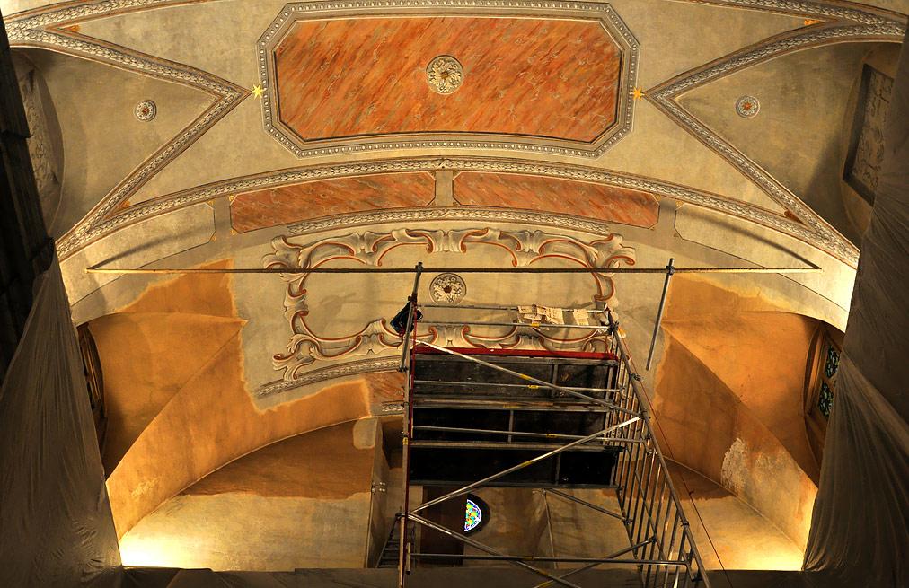 Rekonštrukcia stropu kaplnka v Monaku – pojazdné lešenia ALUFIX 6000