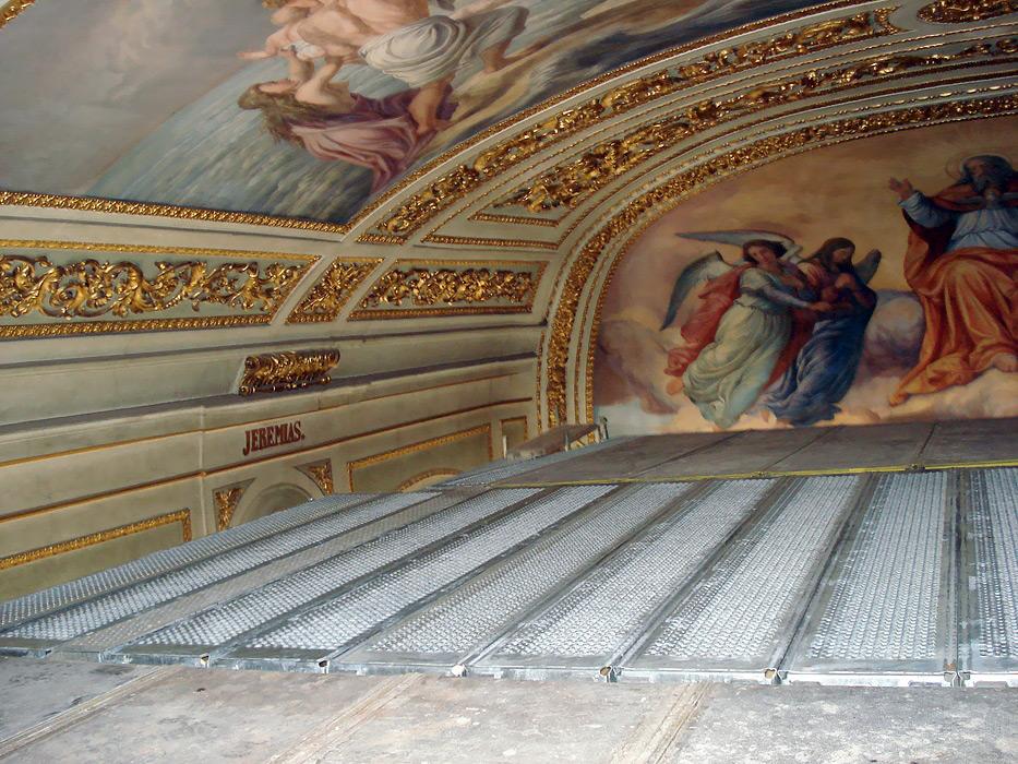 Kaplnka sv. Kríža - fasádne lešenie