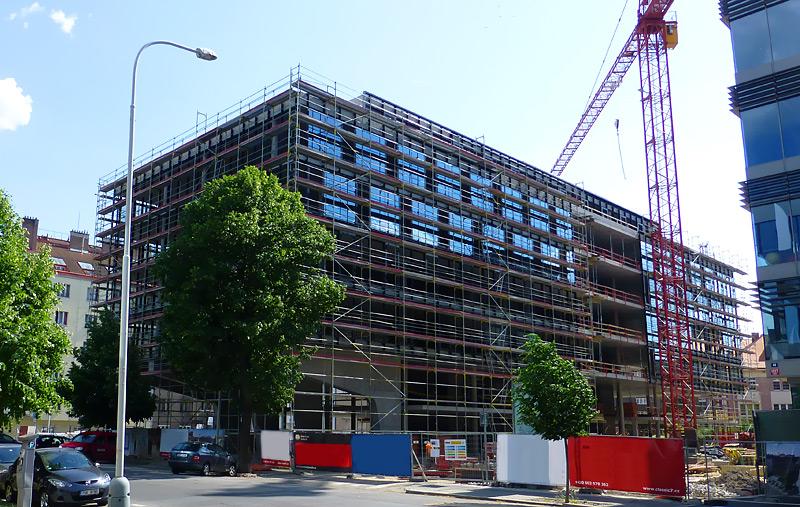Kancelárska budova - fasádne lešenie