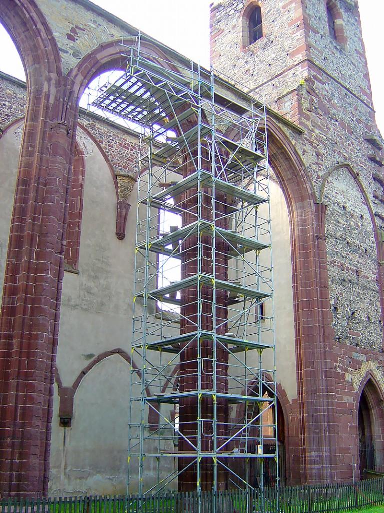 Oprava kláštora - modulové, fasádne lešenie